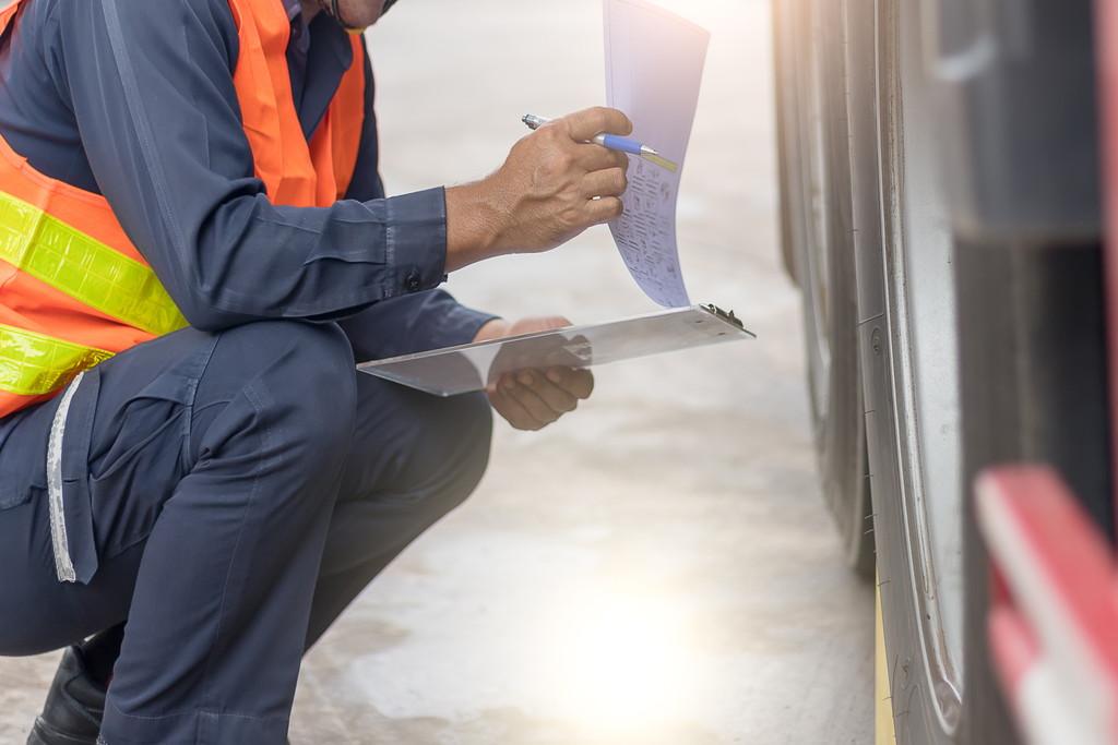 バス点検整備の種類やチェックする項目・ポイントを解説