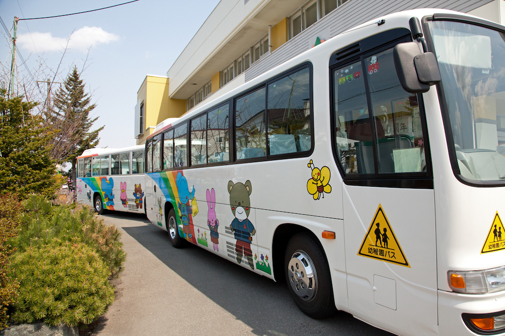 中古送迎バスを購入する際の注意点を用途別に紹介!バスの定員・設備を目的に合わせて選ぼう